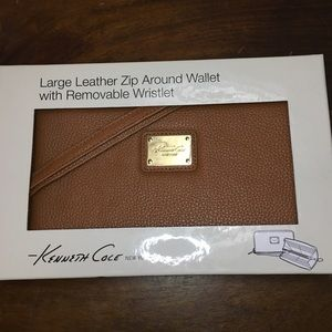 Kenneth Cole Large ZIP Around Wallet/Wristlet